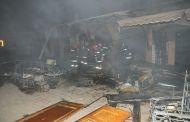 مراكش: حريق مهول يأتي على محلات تجارية بباب الخميس   صور