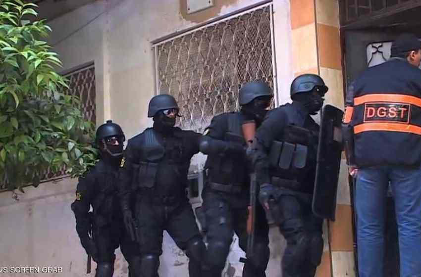 توقيف 12 مشتبها بهم ينتمون لشبكة إرهابية وإجرامية تنشط بين طنجة والدار البيضاء