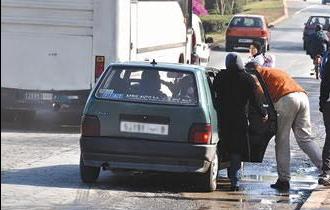 """سيارات النقل السري """"الخطافة"""" تعزو شارع محمد السادس بالبيضاء"""