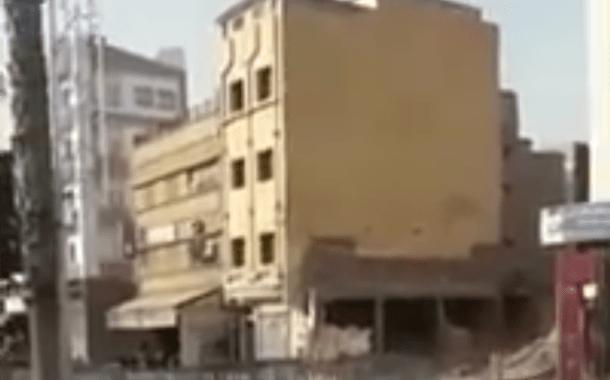 بالفيديو..لحظة سقوط منزل بمدينة الفقيه بنصالح