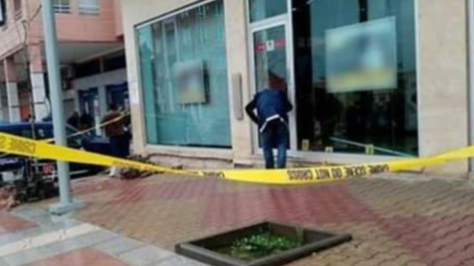 لصان يقتحمان وكالة بنكية بعين حرودة و الدرك يستعمل الرصاص لضبط أحد الجناة