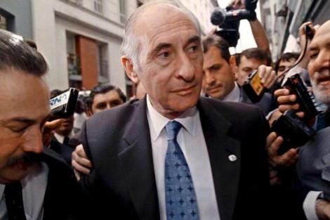 وفاة رئيس الأرجنتين السابق فرناندو دي لا روا