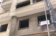عاجل ..صاحب عمارة بالبيضاء يكسر اقفال باب مكتب محام ويرمي ملفاته في الشارع