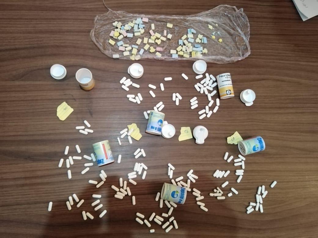 طنجة .. إيقاف شخصين يتاجران في الأقراص المخدرة