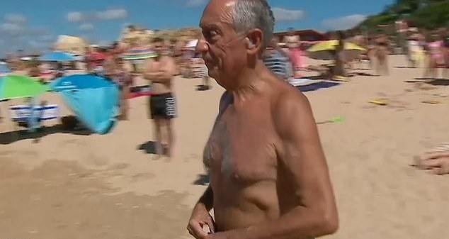 رئيس البرتغال ينقذ سيدتين من الغرق بأحد شواطئ البلاد!