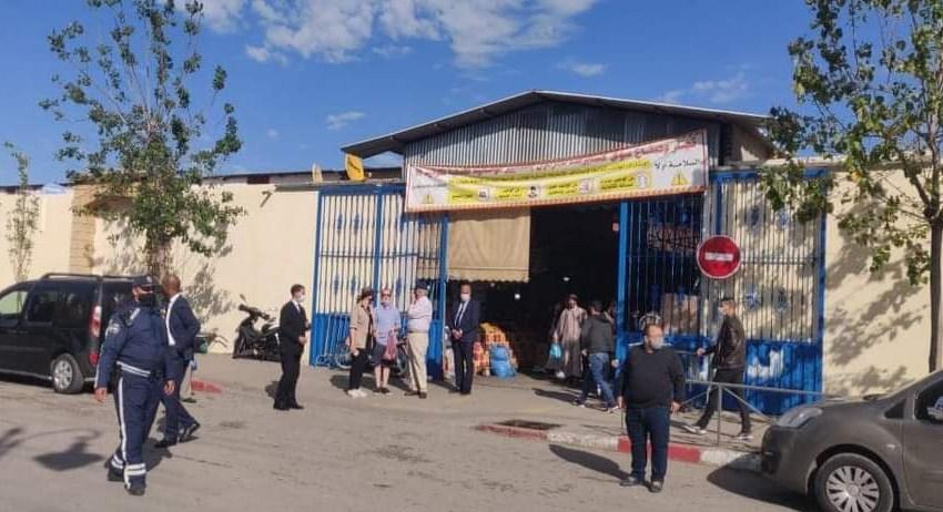 إستنفار أمني بعد زيارة سفير أمريكا بالمغرب لأكبر سوق شعبي بطنجة