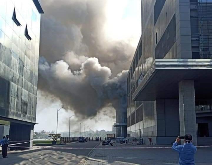 عاجل: حريق في مركز إنتاج لقاح كورونا بالهند