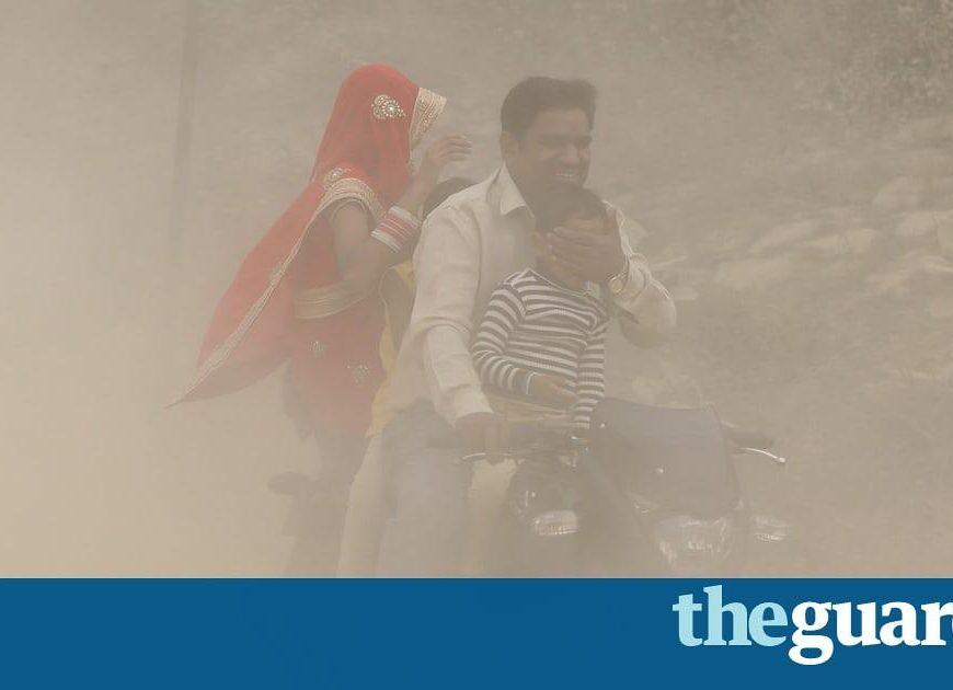 Delhi doctors declare pollution emergency as smog chokes city