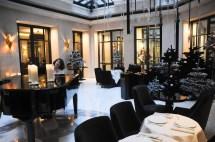 Jeuner Au Restaurant Le Baudelaire Tel Burgundy Paris