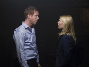 """Damian Lewis and Claire Danes in HOMELAND - Season 2 - """"Two Hate"""" 