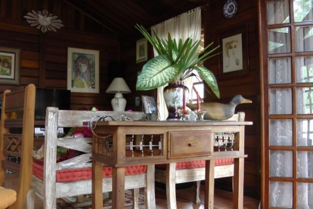 móveis e decoração estilo rústico
