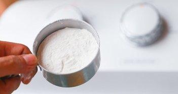 usar bicarbonato de sódio para lavar roupa