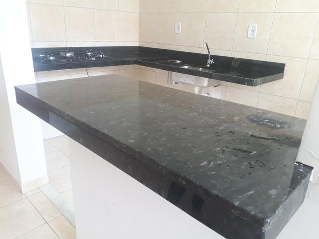 bancada de mármore preto