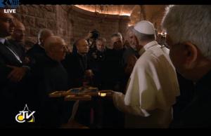 Papa in cripta2