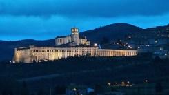 Panorama Assisi tardo pomeriggio inverno - gennaio 2014 Bastilica San Francesco (1)