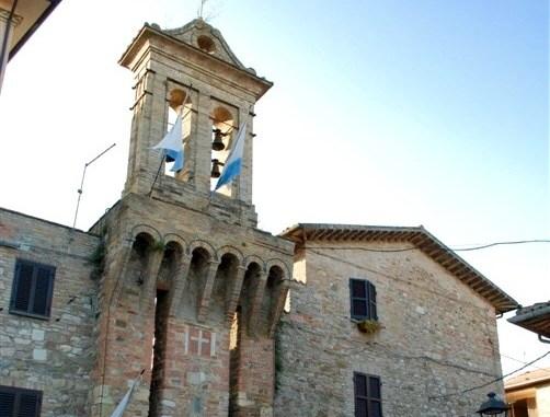 WWF Umbria contro parcheggio pubblico a lato del Castello di Tordandrea