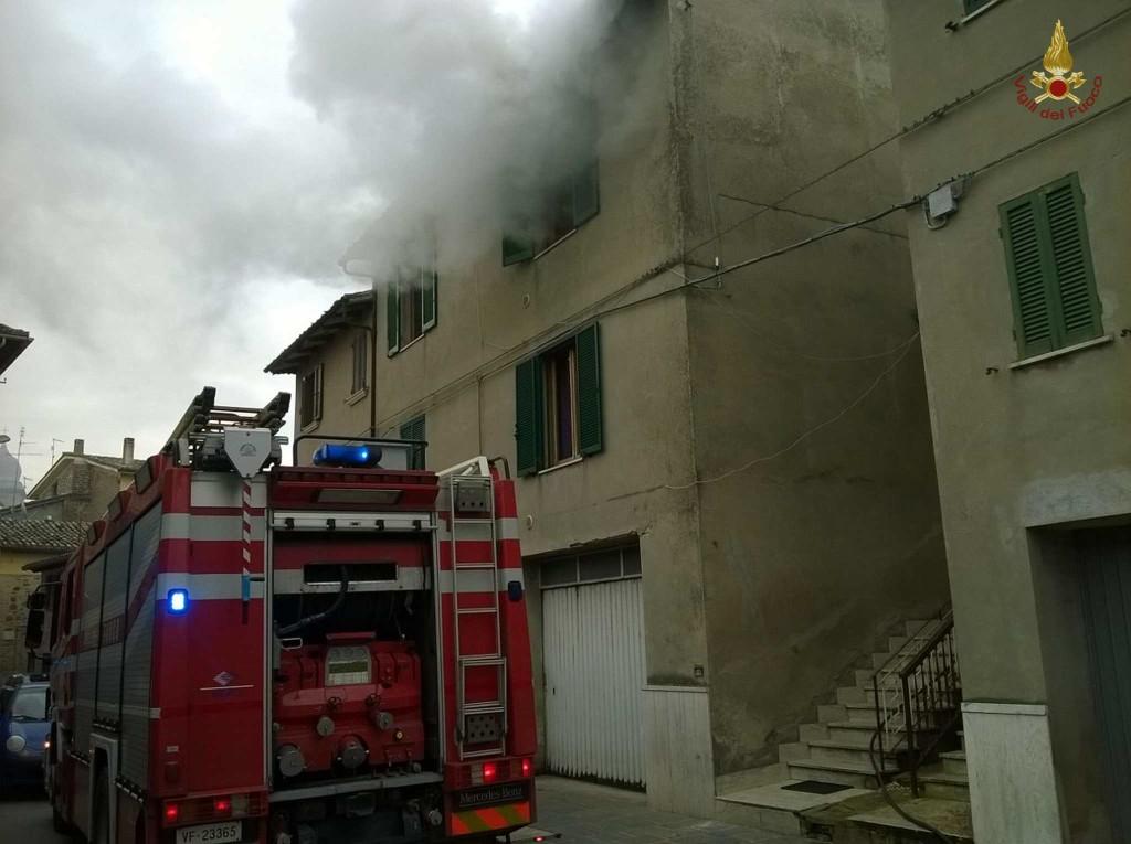 incendio-petrignano-d-assisi (5)
