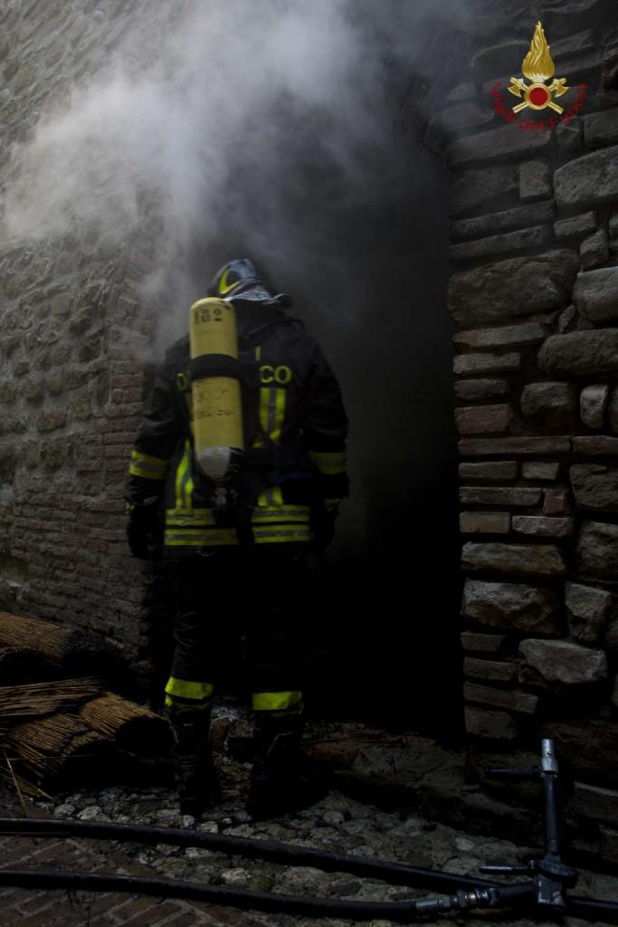 incendio-petrignano (7)