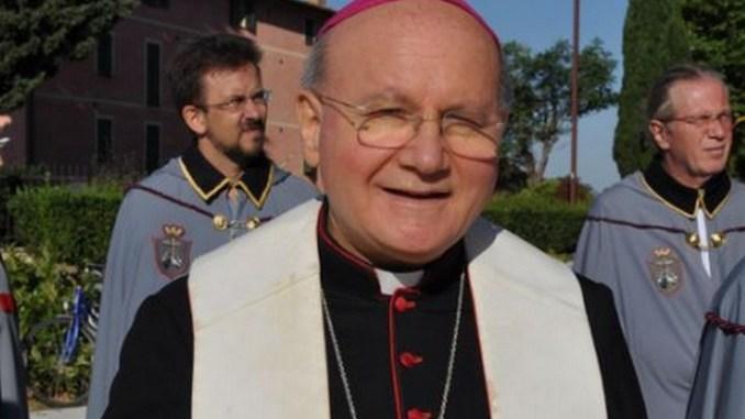 Monsignor Sorrentino, celebrare messe all'aperto, ci vuole prudenza