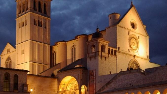 Ad Assisi i preparativi per la festa di san Francesco Patrono d'Italia
