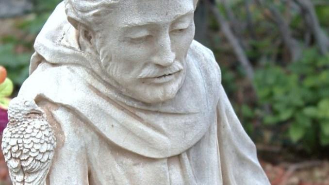 """Assisi, tre mostre in una per le Feste di Fine anno """"Clarite et pretiose et belle. Icone contemporanee dal vecchio e nuovo mondo"""""""
