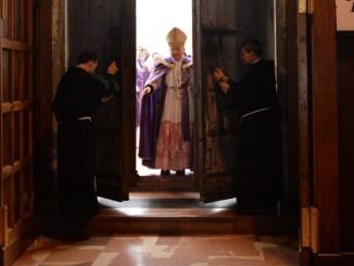 Giubileo, aperta Porta Santa della Basilica di San Francesco