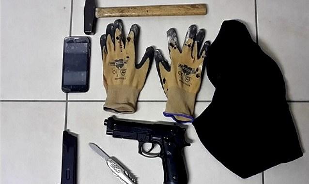 Tenta rapina in un bar a Santa Maria, arrestato