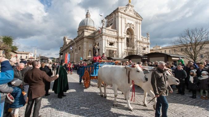 Piatto Sant'Antonio domenica il clou con processione e sfilata animali