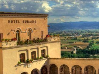 Hotel Subasio Assisi le chiavi tornano alla casa di riposo Andrea Rossi