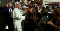 Papa-Francesco-parte-da Santa-Maria (4)
