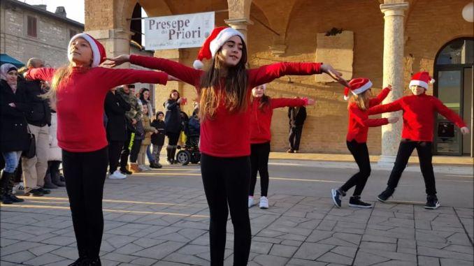 Arte in piazza, ad Santa Maria con gli studenti scuola primaria Assisi 2