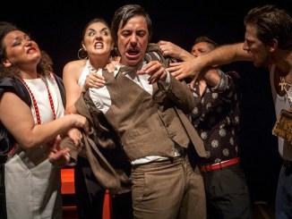 Hamlet Travestie di Punta Corsara al Piccolo Teatro degli Instabili di Assisi