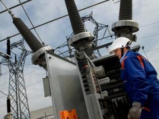 Nuovo look ad Assisi per la rete elettrica, Enel installa i DY900