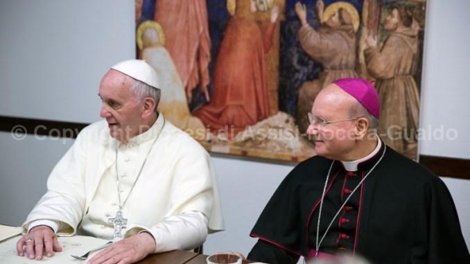 Monsignor Sorrentino incontra Papa Francesco e gli parla del Santuario della Spogliazione