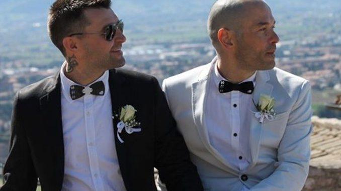Coppia gay si promette amore eterno, ecco la prima unione civile ad Assisi