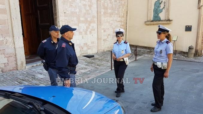 Non il parroco, ma appuntato Luigi Natalini, vigili urbani, fa arrestare ladro