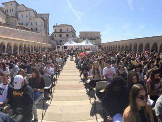 Cortile di Francesco Assisi, occasione per valutare ciò che è la città