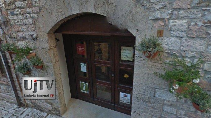 Mirabilia storie di luoghi, persone e cibo col Baccanale di Assisi