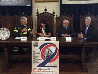 Assisi ringrazia i Vigili del Fuoco, il Comandante Giomi ospite d'onore