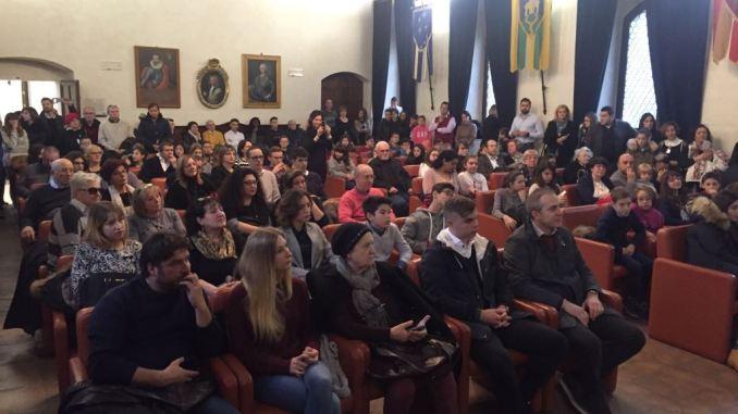 Borse di studio Tommaso Visconti, il Comune di Assisi premia gli studenti meritevoli