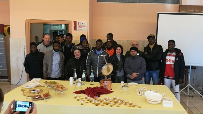 Assisi, quindici giovani stranieri della diocesi diventato pizzaioli