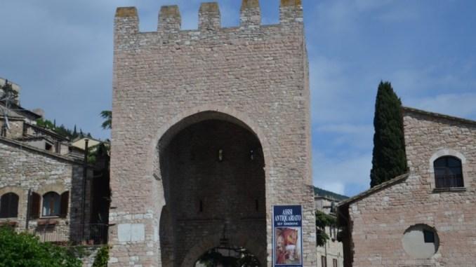 Centro storico Assisi, così lo si uccide, Claudio Ricci spiega ragioni