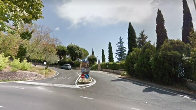Iniziati marciapiede in viale Giovanni XXIII, è caos totale