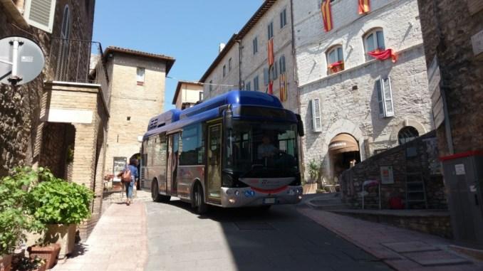 Navetta elettrico gratuito dalla periferia al Centro storico di Assisi, dal 4 agosto 2018