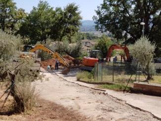Mezzo chilometro di rete fognaria a Capodacqua di Assisi, lavori in corso