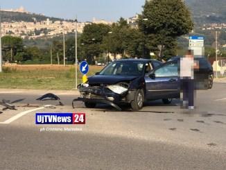 Incidente stradale a Santa Maria, scontro tra auto vicino al Lyrick