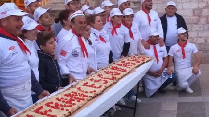 """Molini Spigadoro con il """"pizzaiolo del Papa"""" per la Festa di San Francesco"""