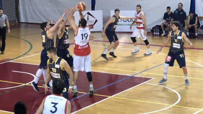 Virtus Assisi basket batte la Pallacanestro Recanati al PalaSir 68 a 59