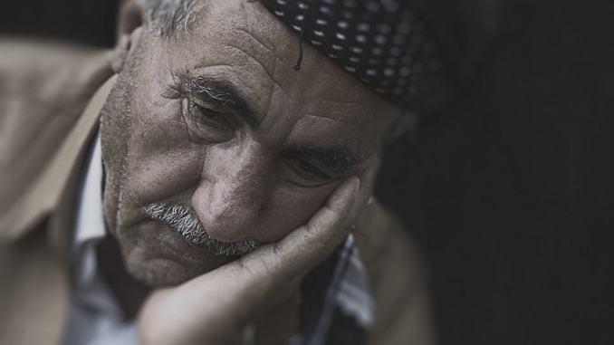 Assegno di 500 euro a favore di anziani oltre i 75 anni di età, domande entro 11 giugno