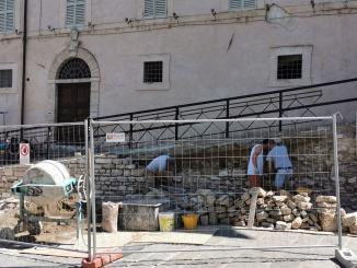Cominciati i lavori di manutenzione davanti alla Cattedrale di San Rufino